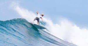 Budget maldives surf Thulusdhoo island surf camp
