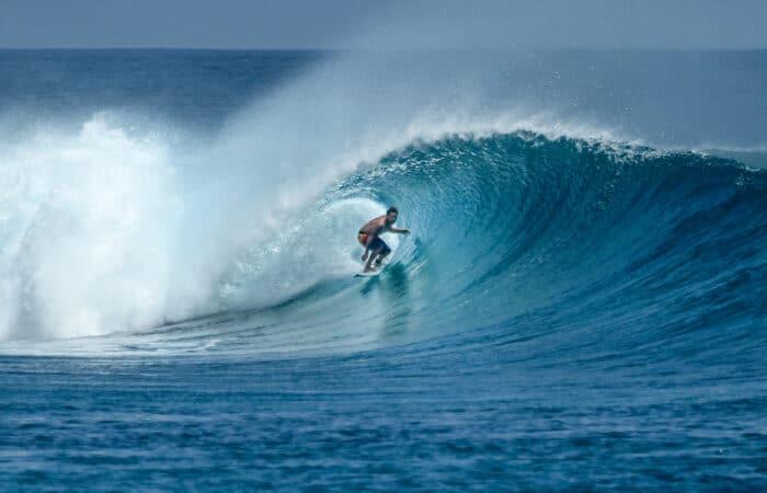 maldives surf trip thulusdhoo island maldives surf resort akiri surf retreat